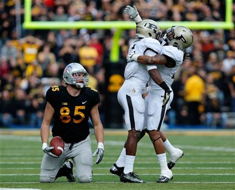 Iowa offense has not found a receiver this season who can consistently makes big plays. (AP Photo/The Gazette, Brian Ray)