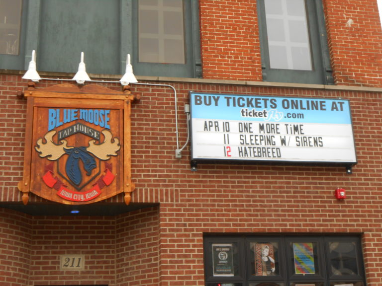 Sleeping With Sirens came to the Blue Moose, April 11th, Headlining the Take It Or Leave It Tour.