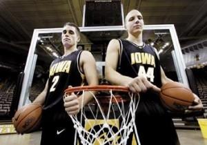 Jeff Horner (left) and Greg Brunner (right) prior to the 2005-2006 season. (AP Photo)