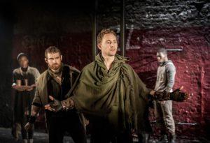 Tom-Hiddleston-Coriolanus-04