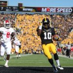 Hawkeyes overpower Hoosiers on Homecoming
