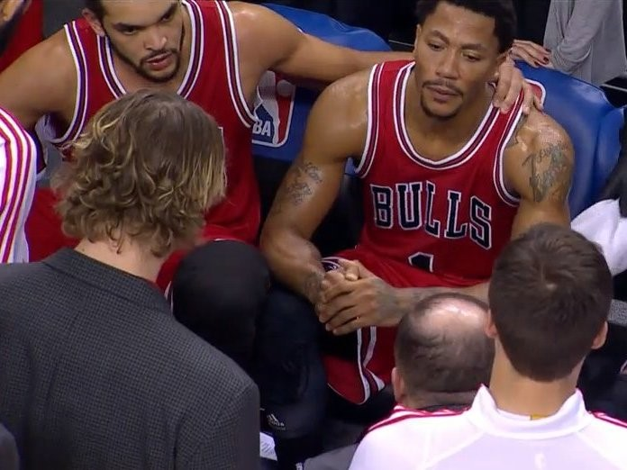 Noah talking to Derrick Rose after his latest injury (TNT)