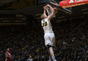 Aaron White lead the Hawkeyes in scoring again tonight (Brian Ray/hawkeyesports.com)