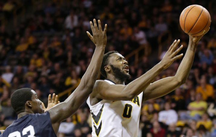Hawkeyes beat North Florida 80-70 to end non-conference play. (Photo Credit: AP Photo/Charlie Neibergall).