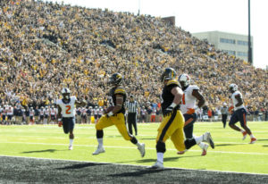 Canzeri's takes the screen pass into the end-zone! (Brian Ray/hawkeyesports.com)