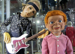 Large-scale puppets (NOT related to American Idiot)