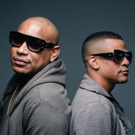 Alexander is on the left and Randy is on the right. (photo via Gente de Zona's twitter page).