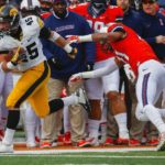 Weisman, Hamilton lead Hawkeyes past Fighting Illini